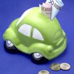 Assicurazioni, tariffe RCA in netto calo